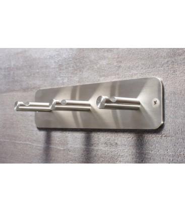 Trojitý nerezový vešiak N012